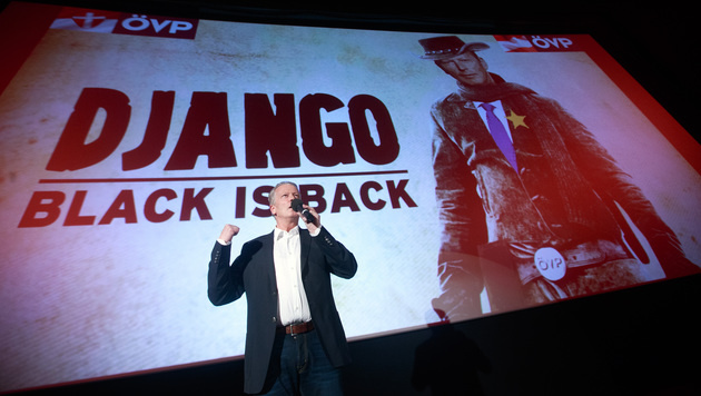 """Mitterlehner ist jetzt Django """"ohne Ketten"""" (Bild: APA(GEORG HOCHMUTH)"""