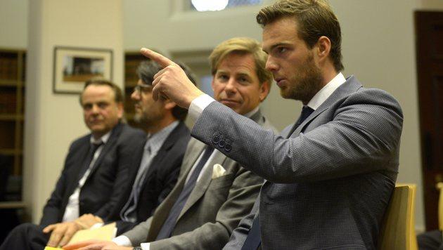 Muss Sauber-Chefin Kaltenborn ins Gefängnis? (Bild: APA/EPA/TRACEY NEARMY)