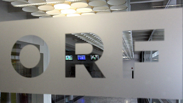 "NEOS wollen ""Zwangsgebühren"" des ORF abschaffen (Bild: APA/Herbert Pfarrhofer)"