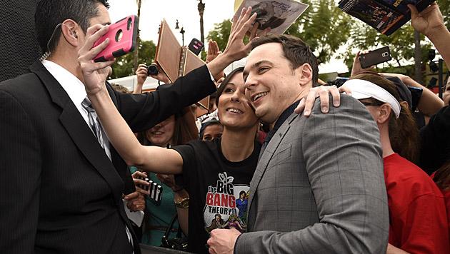 """Die Fans bejubelten ihren """"Sheldon"""". (Bild: Chris Pizzello/Invision/AP)"""