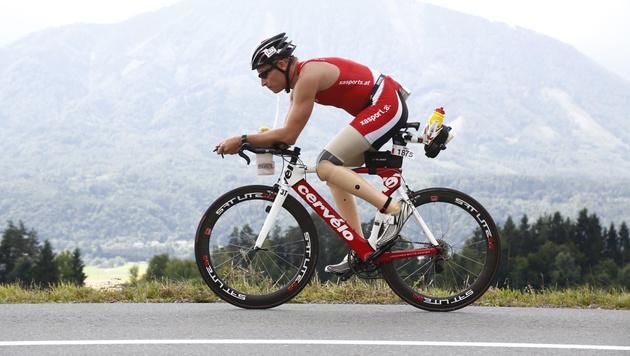 Extrem: Marathon mit zwei Beinprothesen (Bild: Erich Artner)