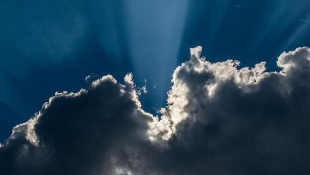 Wetter: Sonne im Westen, Wolken im Osten (Bild: APA/dpa)