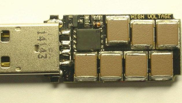 "Russischer Tüftler bastelte ""USB-Stick des Todes"" (Bild: http://kukuruku.co/hub/diy/usb-killer)"