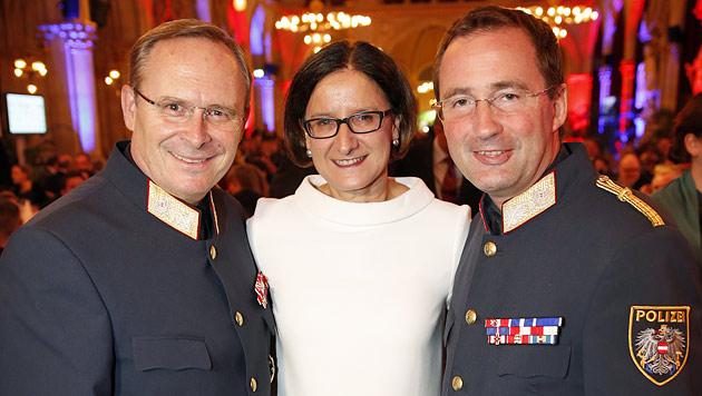 General Karl Mahrer, Innenministerin Johanna Mikl-Leitner und Polizeipräsident Gerhard Pürstl (Bild: Reinhard Holl)