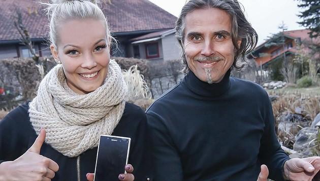 Bei Schwester Elisa und Papa Hannes liefen beim Voten für Dominic Muhrer die Handys heiß. (Bild: Markus Tschepp)