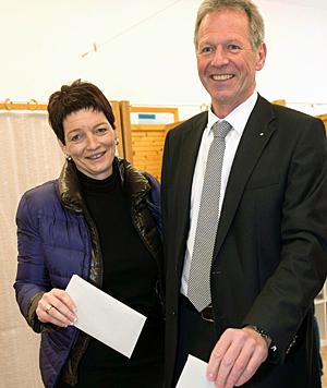Der Bürgermeister von Hohenems, Richard Amann (ÖVP), mit Ehefrau Anna (Bild: APA/Dietmar Stiplovsek)