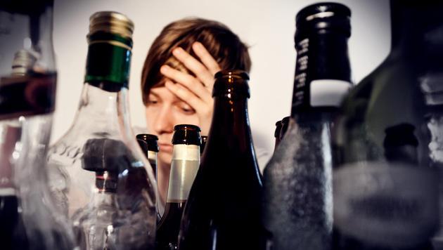 Wir sind mit einem Jahreskonsum von 12,2 l Alkohol hinter Litauen und Estland auf Platz 3. (Bild: Fotolia)