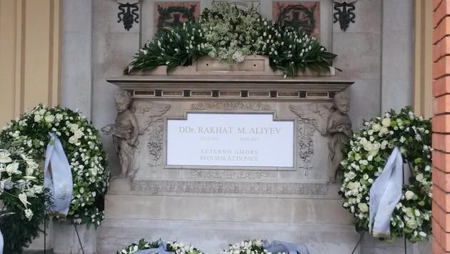 """""""Aeterno amore, requiescat in pace"""", steht auf dem Grab des Ex-Botschafters geschrieben. (Bild: Philipp Wagner)"""