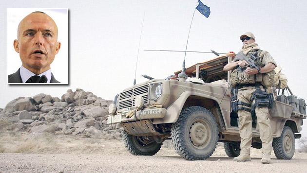 """Offiziere: """"Afrika-Einsätze teure Imagepolitur"""" (Bild: BUNDESHEER/PETER LECHNER, APA/HERBERT PFARRHOFER)"""