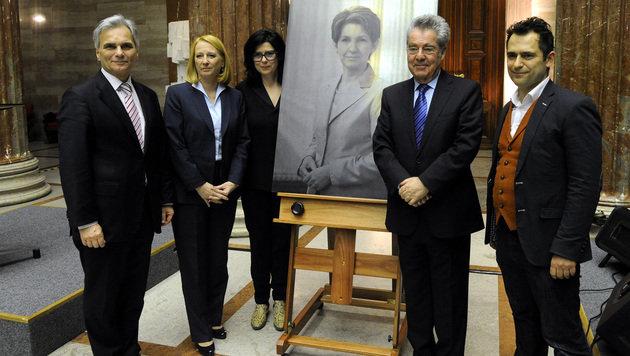 Von links: Faymann, Bures, Künstlerin Eva Schlegel, Fischer, Fotograf Georg Wilke (Bild: APA/Herbert Pfarrhofer)