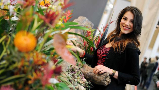 Auch Amina Dagi, Miss Österreich 2012, war bei den Blumen unterwegs (Bild: Markus Wenzel)