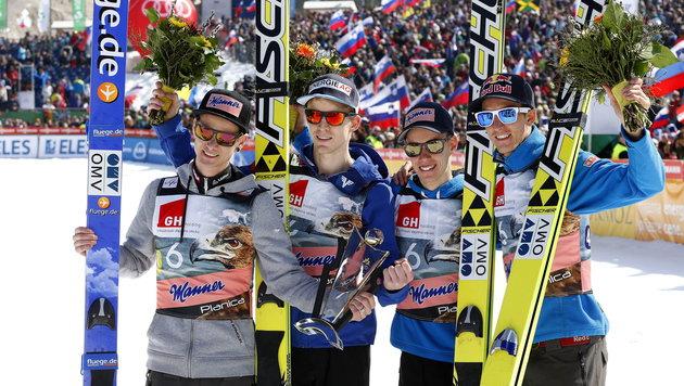 ÖSV-Adler holen im Planica-Teambewerb Platz zwei (Bild: APA/EPA/ANTONIO BAT)