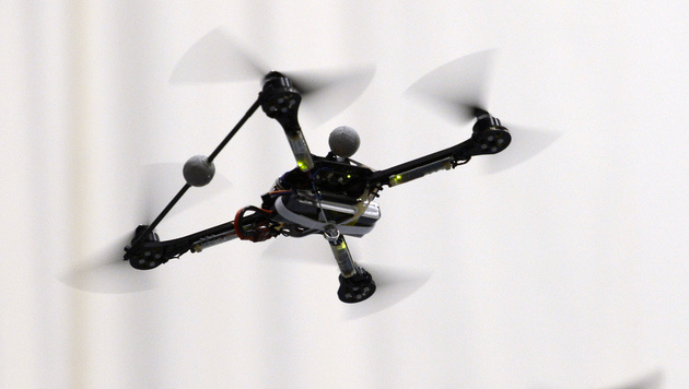 Bei Absturz Auge zerfetzt: Drohne verstümmelt Baby (Bild: APA/KEYSTONE/STEFFEN SCHMIDT)