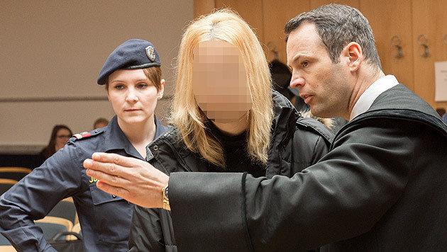 Mann getötet und angezündet: Frau muss in Anstalt (Bild: APA/FOTOKERSCHI.AT/WERNER KERSCHBAUMMAYR)