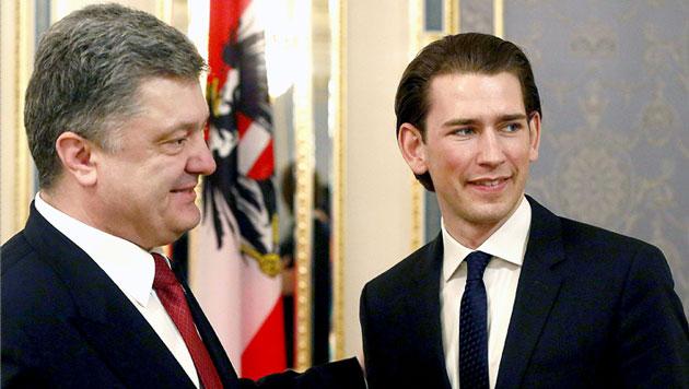 "Poroschenko: ""Sebastian, ich zähle auf dich"" (Bild: APA/EPA/DRAGAN TATIC / MIN. OF FOREIGN AFFAIRS)"