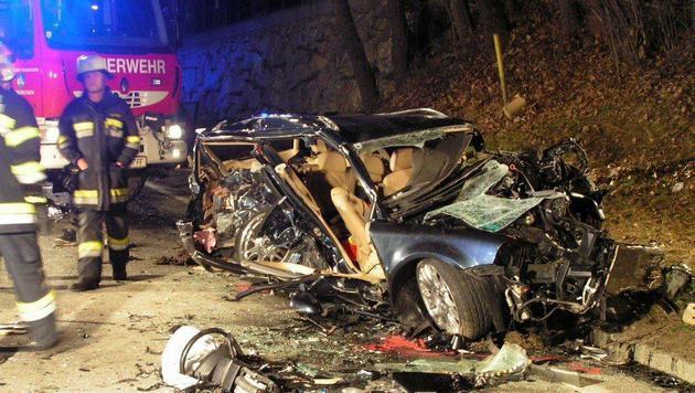 Riskantes Überholmanöver fordert 2 Schwerverletzte (Bild: Feuerwehr Feldkirchen)