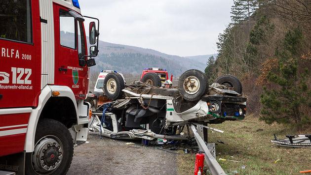73-Jähriger verunglückt mit Dienstfahrzeug tödlich (Bild: Stefan Schneider BFK Baden)