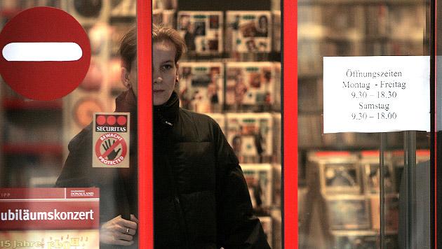 """""""Aktion scharf"""" gegen türkische Supermärkte (Bild: APA/HARALD SCHNEIDER)"""