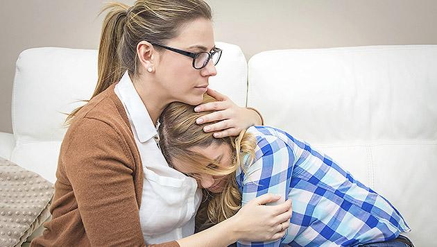So helfen Sie Ihrem Kind bei Liebeskummer (Bild: thinkstockphotos.de)