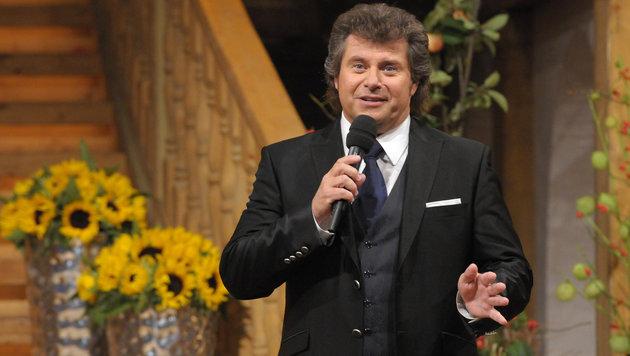 """Andy Borg muss das Feld räumen, künftig moderiert kein Österreicher mehr den """"Stadl"""". (Bild: ORF/Ali Schafler)"""