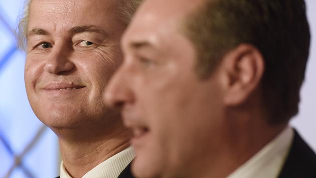 Geert Wilders mit FPÖ-Chef Heinz-Christian Strache (Bild: APA/HELMUT FOHRINGER)