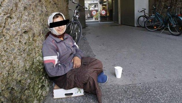 Bild der Armut mitten in Salzburg: Die Bürger fordern Maßnahmen, die Stadtpolitik schaut weiter zu. (Bild: Markus Tschepp)
