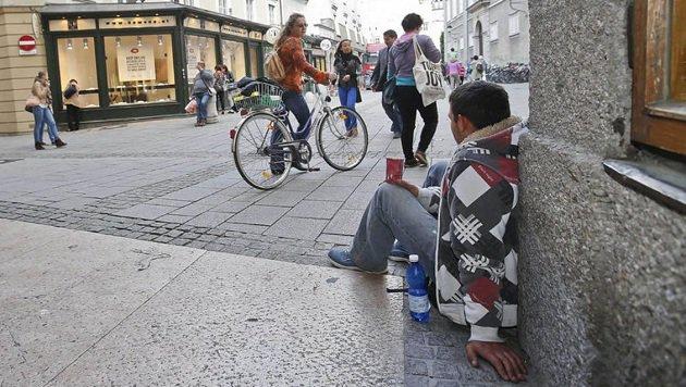 Die Bilder der schrecklichen Armut sind in Salzburg alltäglich. (Bild: Markus Tschepp)
