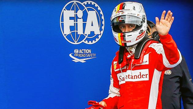 Vettel will Mercedes auch beim China-GP ärgern (Bild: APA/EPA/AZHAR RAHIM)