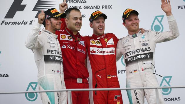 Vettel will Mercedes auch beim China-GP ärgern (Bild: AP)