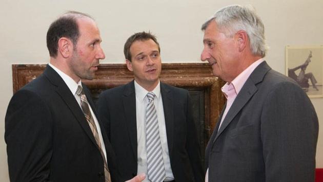 Stadt-Vize Preuner (ÖVP, rechts) fordert ein sektorales Bettel-Verbot. (Bild: Franz Neumayr)