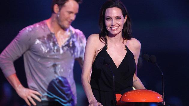 Zum ersten Mal seit ihrer Eierstock-OP zeigte sich Angelina Jolie in der Öffentlichkeit. (Bild: Matt Sayles/Invision/AP)