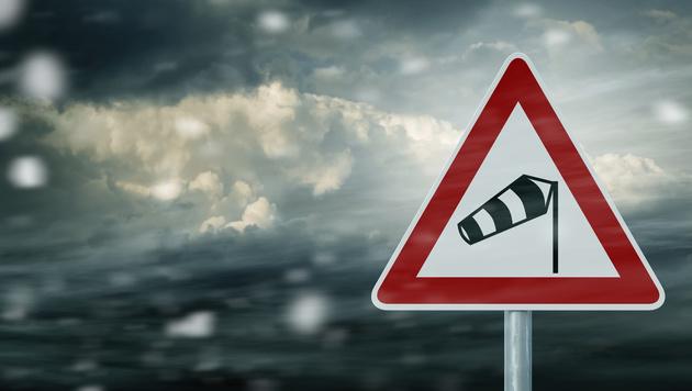 Kräftige Abkühlung und Sturmböen bis zu 120 km/h (Bild: thinkstockphotos.de (Symbolbild))
