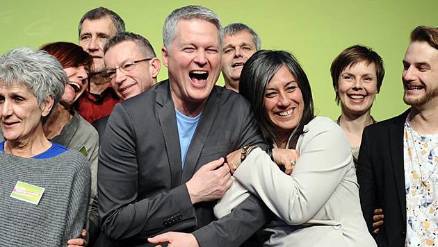 Von Streit in der Partei will Vassilakou nichts wissen - und postet ein Bild von sich und Ellensohn. (Bild: Die Grünen Wien)