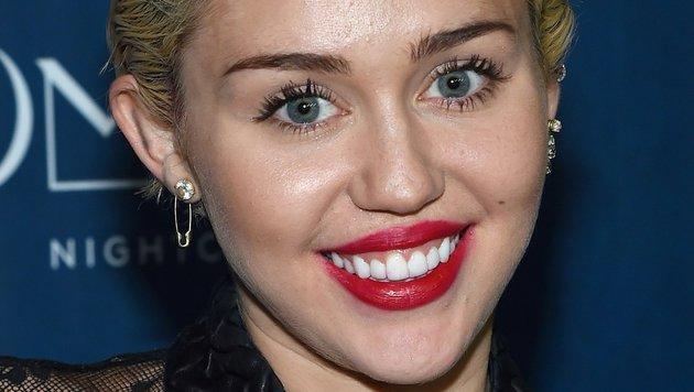 Jung und strahlend schön kennt man Miley Cyrus. (Bild: AFP)