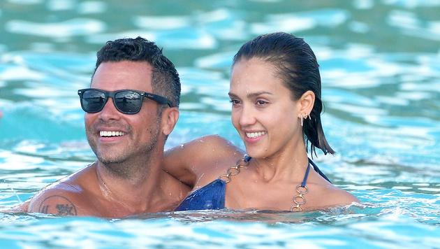 Gemeinsam mit Ehemann Cash Warren urlaubt Jessica Alba auf der Karibikinsel. (Bild: Viennareport)