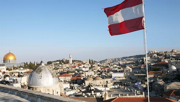 Das Zentrum von Jerusalem ist rot-weiß-rot!