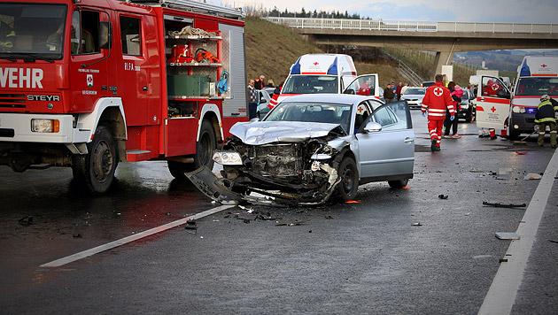 Unfall auf der A8 (Bild: Matthias Lauber/laumat.at)