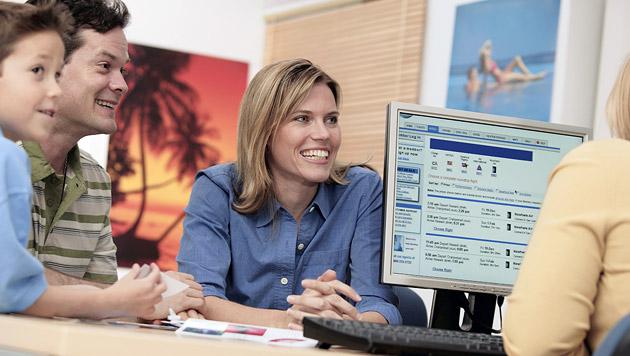 Wie Sie im Reisebüro zu einem guten Preis kommen (Bild: thinkstockphotos.de)