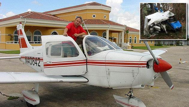 Herbert Mairzedt überlebte den Absturz fast unverletzt, die Cessna (kl. Bild) wurde völlig zerstört. (Bild: Mairzedt, ARFF Working Group)
