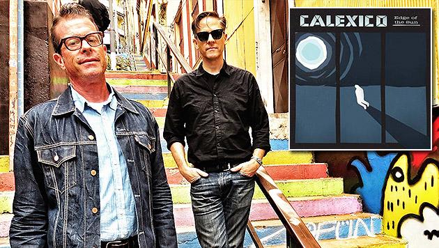 "Calexico mit neuem Album ""Edge Of The Sun"" (Bild: Universal/Jairo Zavala, Universal Music)"