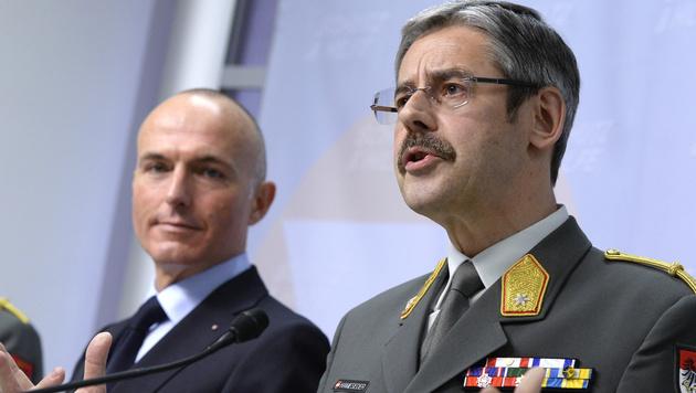 Verteidigungsminister Gerald Klug (links) und Milizbeauftragter Erwin Hameseder (Bild: APA/HANS KLAUS TECHT)