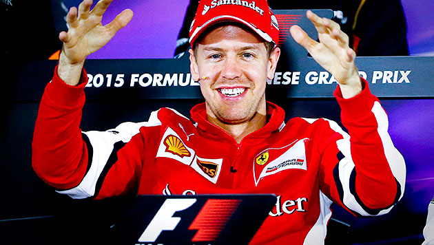 Vettel will Mercedes auch beim China-GP ärgern (Bild: APA/EPA/DIEGO AZUBEL)