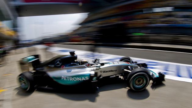 "Hamilton: ""Ferrari & ich? Man soll nie nie sagen"" (Bild: APA/EPA/DIEGO AZUBEL)"