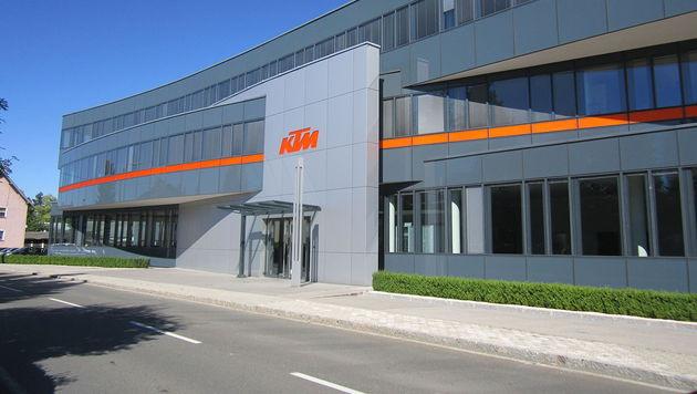 Hausdurchsuchungen bei KTM und Tochterfirma BTM (Bild: KTM Mattighofen (sede) von Assianir - Eigenes Werk. Lizenziert)