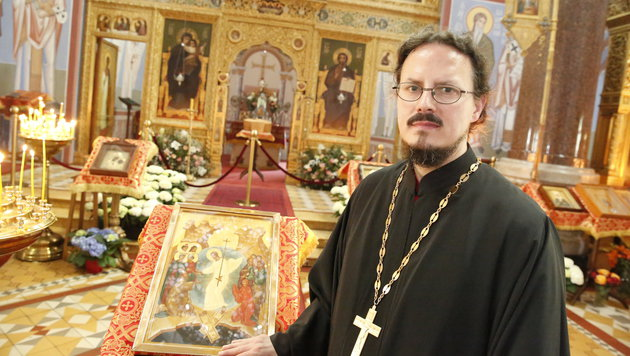 Priester Radoslav Ristic (Bild: Martin A. Jöchl)