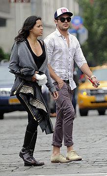 Michelle Rodriguez mit Zac Efron (Bild: Viennareport)