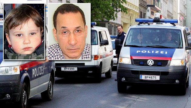 Die Polizei sucht fieberhaft nach Zakari (3) und seinem Vater. (Bild: Polizei, Andi Schiel (Symbolbild))