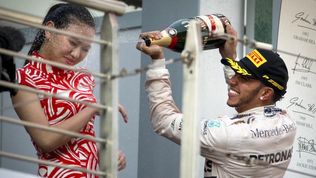"""Hamilton: """"Ferrari & ich? Man soll nie nie sagen"""" (Bild: AP/Mark Schiefelbein)"""
