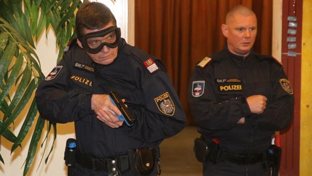 Polizei-Einsatztraining soll Ernstfall simulieren (Bild: ANDI SCHIEL)