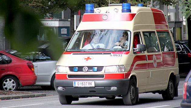 Rettungsfahrt durch Graz - wegen einer Fieberblase (Bild: JÜRGEN RADSPIELER)